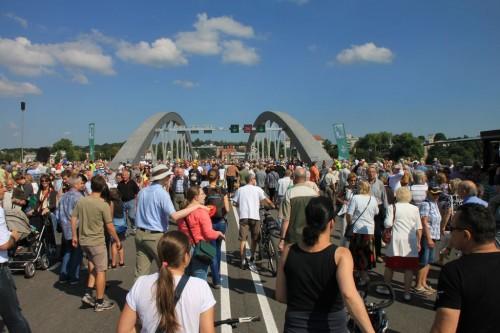 2013/08 - Eröffnung der Waldschlößchenbrücke in Dresden.