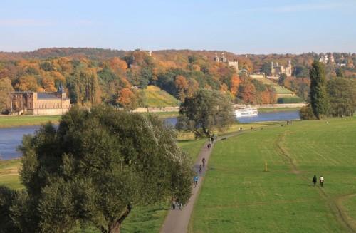 2013/10 – Herbstzeit an der ELBE in Dresden.