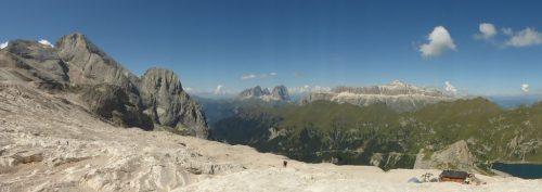 2016/08 - Blick von der Marmolata in Südtirol.