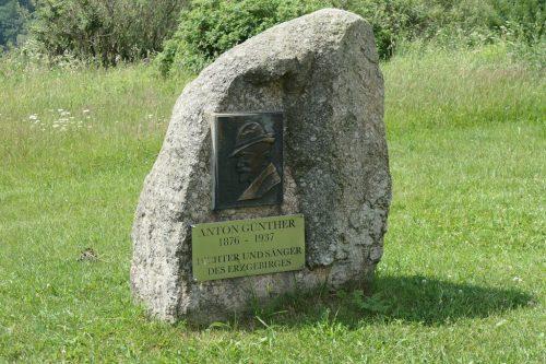 2018/06 - Am Anton-Günther Gedenkstein in Deutschneudorf.