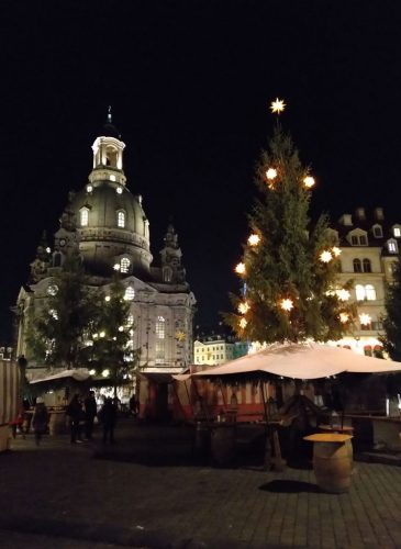 2018/12 - Dresden, Weihnachtsmarkt an der Frauenkirche.