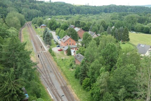 2019/06 - Blick vom Viadukt zum Bahnhof Hetzdorf.