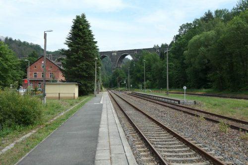 2019/06 - Blick vom Bahnhof Hetzdorf zum Hetzdorfer Viadukt.