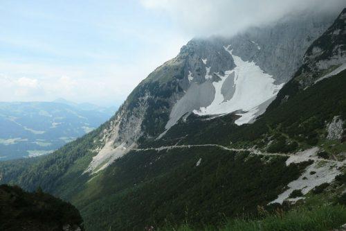 2019/07 - Ein Weg zum Aufstieg auf die Gruttenhütte.