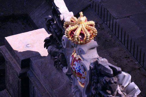 2019/09 - Auf der Festung darf die Krone nicht fehlen.