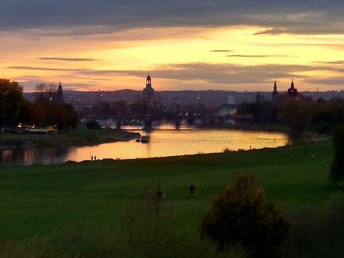 2019/10 - Abendstimmung in Dresden.